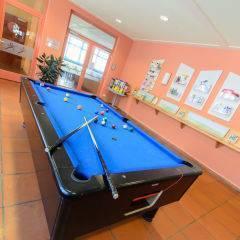 Billiardtisch im JUFA Hotel Lungau. Der Ort für erholsamen Familienurlaub und einen unvergesslichen Winter- und Wanderurlaub.