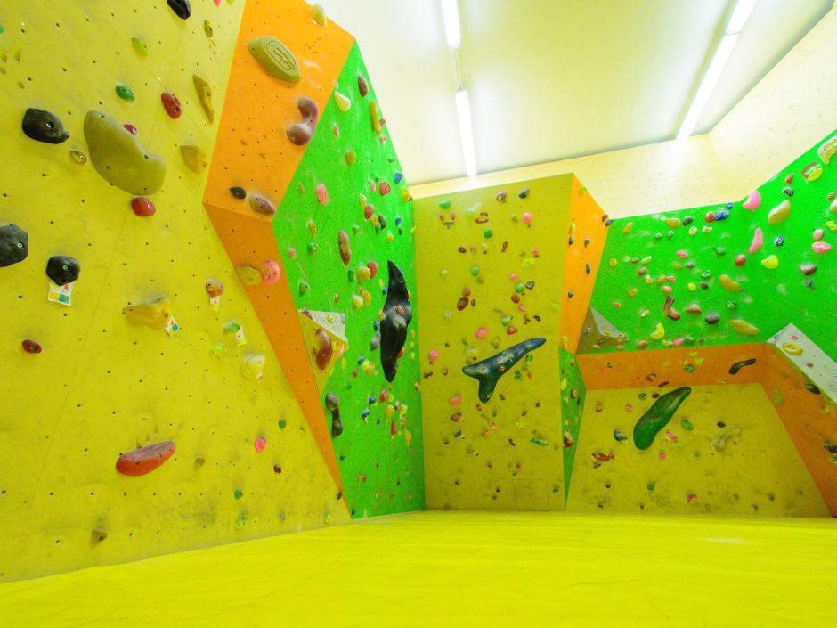 Boulderhalle im JUFA Hotel Mariazell Erlaufsee Sport-Resort. Der Ort für erfolgreiches Training in ungezwungener Atmosphäre für Vereine und Teams.