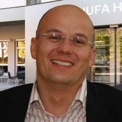 Auf diesen Bild sehen sie den Geschäftsführer Gernot Reitmaier von den JUFA Hotels. JUFA Hotels. JUFA Hotels bietet kinderfreundlichen und erlebnisreichen Urlaub für die ganze Familie.