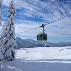 Gondel im Skigebiet Mariazeller Bürgeralpe im Mariazellerland in der Nähe von JUFA Hotels. Der Ort für erholsamen Familienurlaub und einen unvergesslichen Winter- und Wanderurlaub.