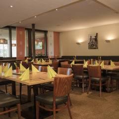Gemütliches eingedecktes Restaurant im JUFA Hotel Wangen Sport-Resort. Der Ort für erfolgreiches Training in ungezwungener Atmosphäre für Vereine und Teams.
