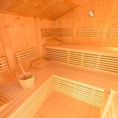 Sauna im Wellnessbereich im JUFA Hotel Bad Aussee. Der Ort für erholsamen Familienurlaub und einen unvergesslichen Winter- und Wanderurlaub.