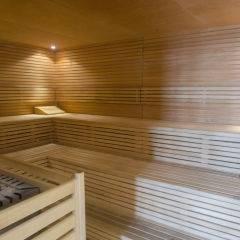 Sauna mit Aufgussschale im Wellnessbereich im JUFA Hotel Fuerstenfeld - Sport-Resort. Der Ort für erfolgreiches Training in ungezwungener Atmosphäre für Vereine und Teams.