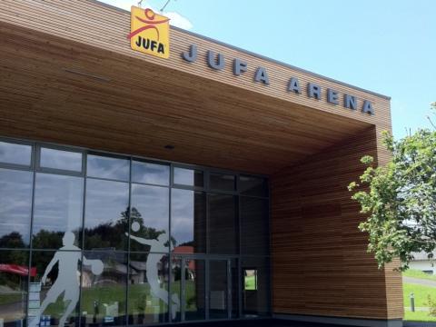 Aussenansicht der Sporthalle im JUFA Hotel Bleiburg - Sport-ResortDer Ort für erholsamen Familienurlaub und einen unvergesslichen Winter- und Wanderurlaub.
