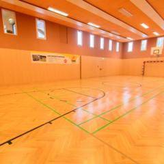 Sporthalle im JUFA Hotel Altaussee. Der Ort für erholsamen Familienurlaub und einen unvergesslichen Winter- und Wanderurlaub.