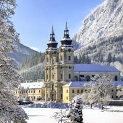 Stiftskirche in Spital am Pyhrn im Winter