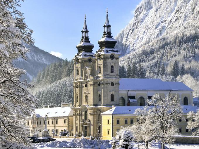 Stiftskirche in Spital am Pyhrn im Winter