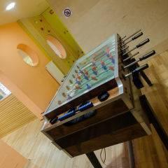 Tischfussball im JUFA Natur-Hotel Bruck. Der Ort für erfolgreiche und kreative Seminare in abwechslungsreichen Regionen.