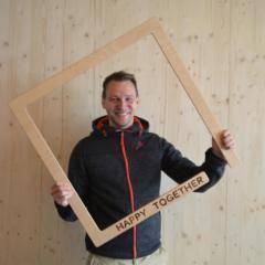 Auf diesem Bild sehen Sie Erik Selle, den Hotelleiter vom JUFA Hotel Fürstenfeld - Sport-Resort. JUFA Hotels bietet kinderfreundlichen und erlebnisreichen Urlaub für die ganze Familie.