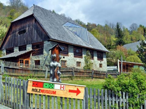 Holzmuseum Murau im Murtal in der Steiermark in der Nähe vom JUFA Hotel Murau. Der Ort für erholsamen Familienurlaub und einen unvergesslichen Winter- und Wanderurlaub.