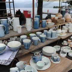 Töpfermarkt in der Keramikstadt Gmunden im Salzkammergut in der Nähe von JUFA Hotels. Der Ort für erholsamen Familienurlaub und einen unvergesslichen Winter- und Wanderurlaub.