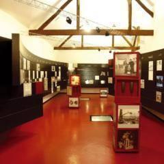 Ausstellungsraum des MUBA - Museum für Baukultur in Neutal in der Nähe vom JUFA Hotel Neutal - Landerlebnis. Der Ort für erlebnisreichen Natururlaub für die ganze Familie.