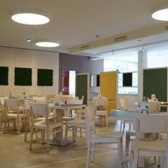 Gemütliches Restaurant im JUFA Hotel Graz City. Der Ort für erlebnisreichen Städtetrip für die ganze Familie und der ideale Platz für Ihr Seminar.