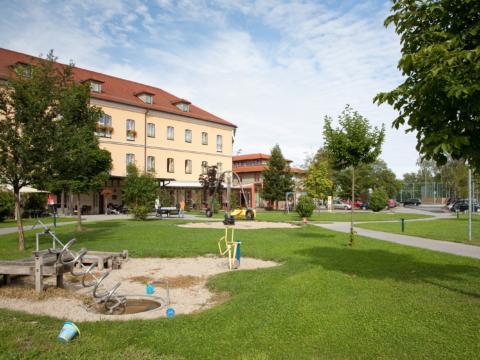 Spielplatz am JUFA Hotel Fürstenfeld Sport-Resort. Der Ort für erfolgreiches Training in ungezwungener Atmosphäre für Vereine und Teams.