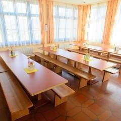 Gemütliches Restaurant im JUFA Hotel Lungau. Der Ort für erholsamen Familienurlaub und einen unvergesslichen Winter- und Wanderurlaub.