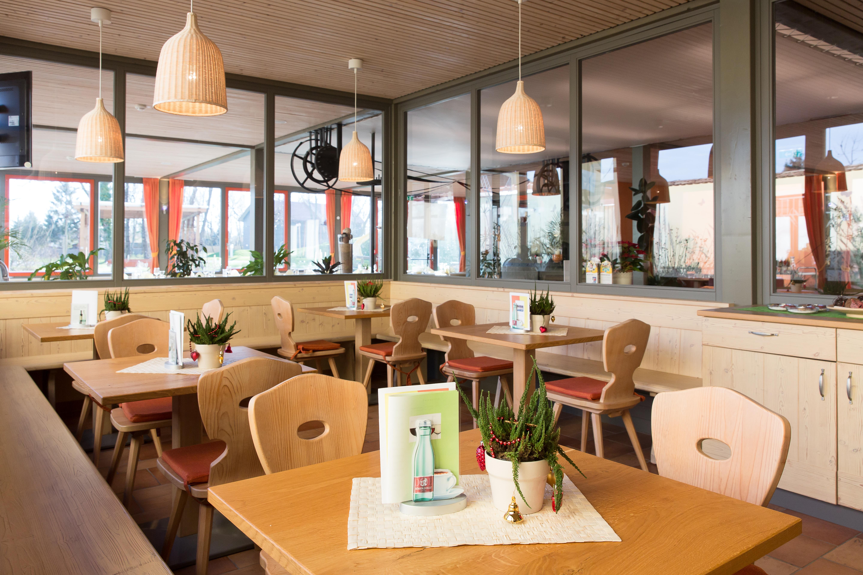 Gemütliches Ecke im Restaurant im JUFA Weinviertel - Hotel in der Eselsmühle. Der Ort für erfolgreiche und kreative Seminare in abwechslungsreichen Regionen.