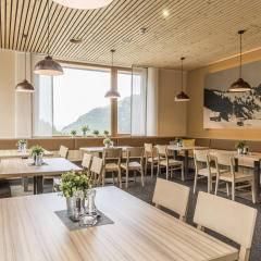 Restaurantbereicht im JUFA Hotel Malbun Alpin-Resort. Der Ort für erholsamen Familienurlaub und einen unvergesslichen Winter- und Wanderurlaub.