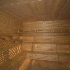 Sie sehen die Sauna im Wellnessbereich im JUFA Hotel Wangen Sport-Resort. Der Ort für erfolgreiches Training in ungezwungener Atmosphäre für Vereine und Teams.