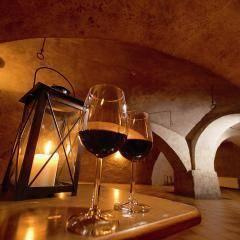 Gemütliches Gewölbe für die besonderen Momente im JUFA Hotel Oberwölz. Der Ort für erholsamen Familienurlaub und einen unvergesslichen Winter- und Wanderurlaub.