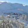 Aussenansicht vom JUFA Hotel Hochkar - Sport-Resort im Winter. Der Ort für erfolgreiches Training in ungezwungener Atmosphäre für Vereine und Teams.
