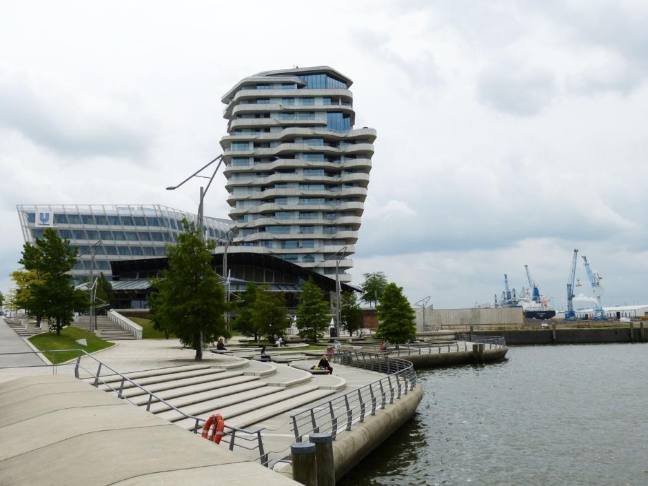 Die Marco-Polo-Terrassen l ist in unmittelbarer Nähe des JUFA Hotel Hamburg HafenCity, welches sich ideal für ein Wochenende in Hamburg eignet.