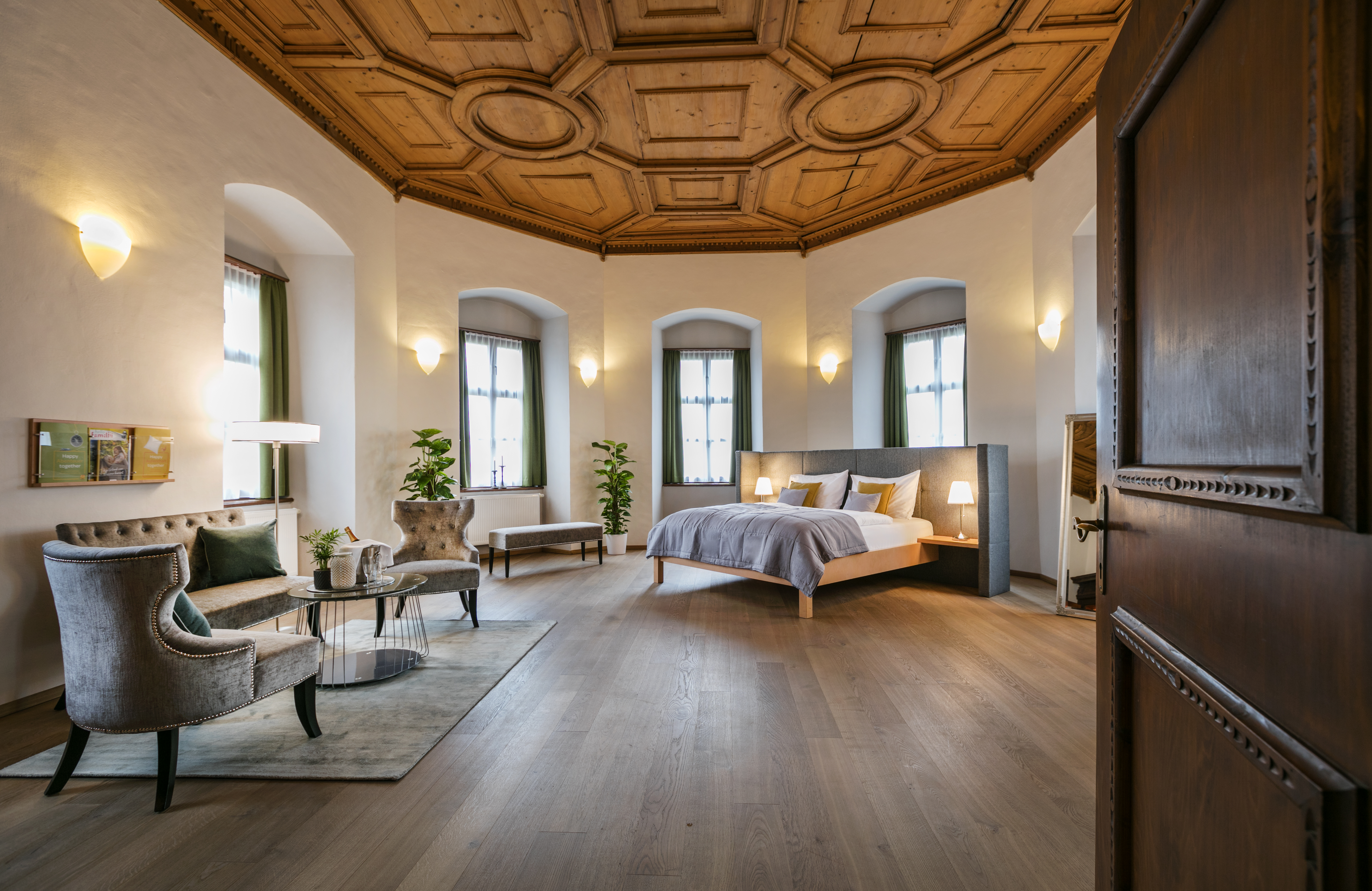 Doppelzimmer superior als Hochzeitszimmer im JUFA Hotel Schloss Röthelstein/Admont***. Der Ort für märchenhafte Hochzeiten und erfolgreiche und kreative Seminare.