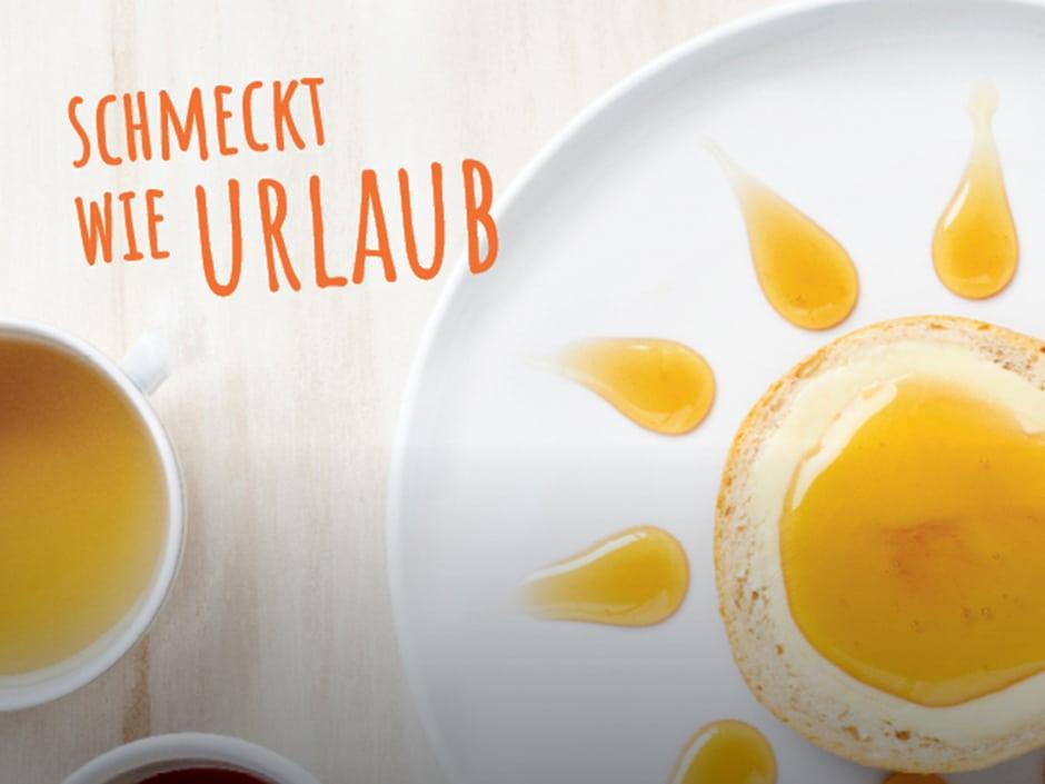 """Sie sehen ein Bild zum Thema Frühstück mit dem Slogan """"Schmeckt wie Urlaub"""". JUFA Hotels bietet erholsamen Familienurlaub und einen unvergesslichen Winterurlaub."""