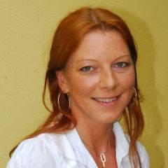 Sie sehen Claudia Heschl, Hotelleiterin des JUFA Hotel Pöllau – Bio-Landerlebnis. JUFA Hotels bietet kinderfreundlichen und erlebnisreichen Urlaub für die ganze Familie.