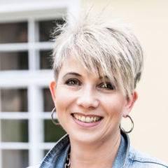 Sie sehen Daniela Malez, Hotelleiterin des JUFA Hotel Seckau/Spielberg***. Der Ort für kinderfreundlichen und erlebnisreichen Urlaub für die ganze Familie.