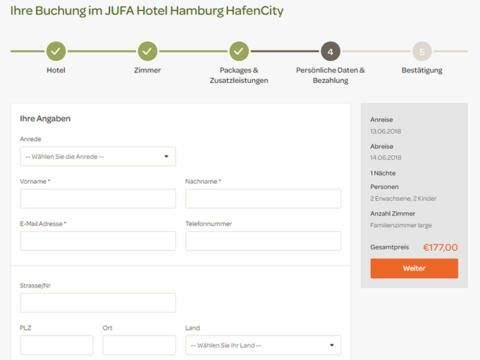 Sie sehen den Buchungsschritt Persönliche Angaben bestätigen auf der Website von JUFA Hotels. Der Ort für erlebnisreichen Natururlaub für die ganze Familie.
