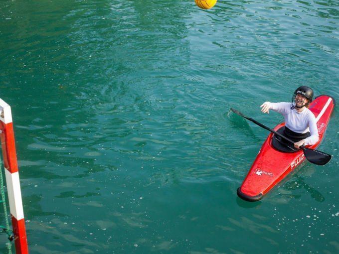 Die Königsseeache eignet sich besonders an der Mündung in die Salzach zum Baden. Auch ungewöhnlichen Sportarten lässt sich dort nachgehen, z.B. Kanu-Polo.