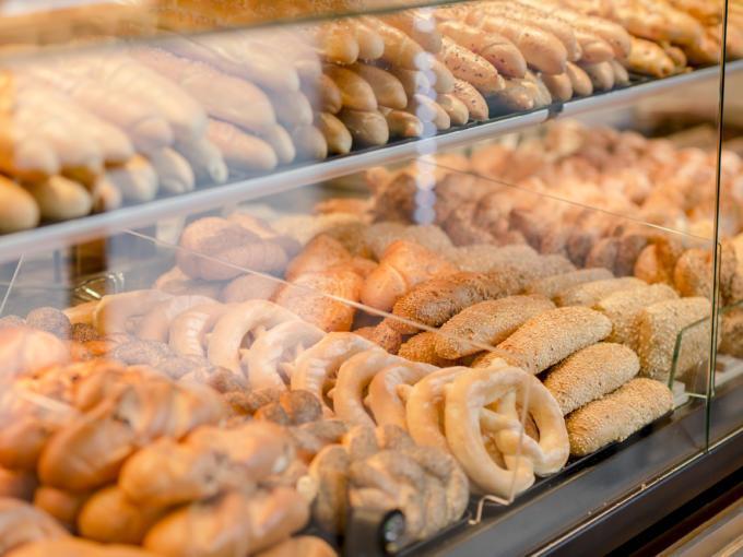Sie sehen die Kulmland Bäckerei in Pischelsdorf am Kulm. JUFA Hotels bietet kinderfreundlichen und erlebnisreichen Urlaub für die ganze Familie.
