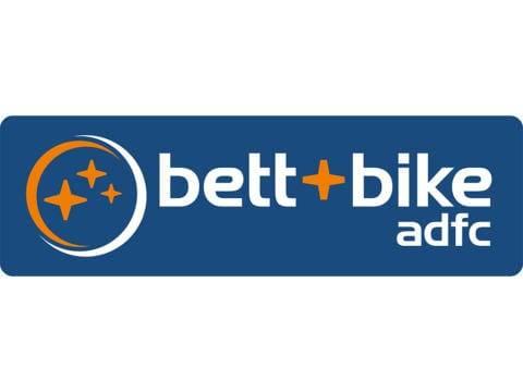 Sie sehen das Logo des ADFC, das für Fahrradurlauber passende und als Bett+Bike-zertifizierte Hotels tragen dürfen. JUFA Hotels sind zertifizierte Partner des ADFC.