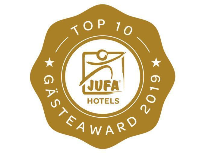 Sie sehen das Sujetbild des Gästaward 2019 von TrustYou. Die bestbewerteten JUFA Hotels wurden von TrustYou mit dem Gästeaward 2019 ausgezeichnet.