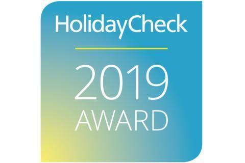 Sie sehen das Logo von Recommended on HolidayCheck 2019 der HolidayCheck AG, das sehr gut bewertete Hotels tragen dürfen. JUFA Hotels wurden ausgezeichnet von HolidayCheck.