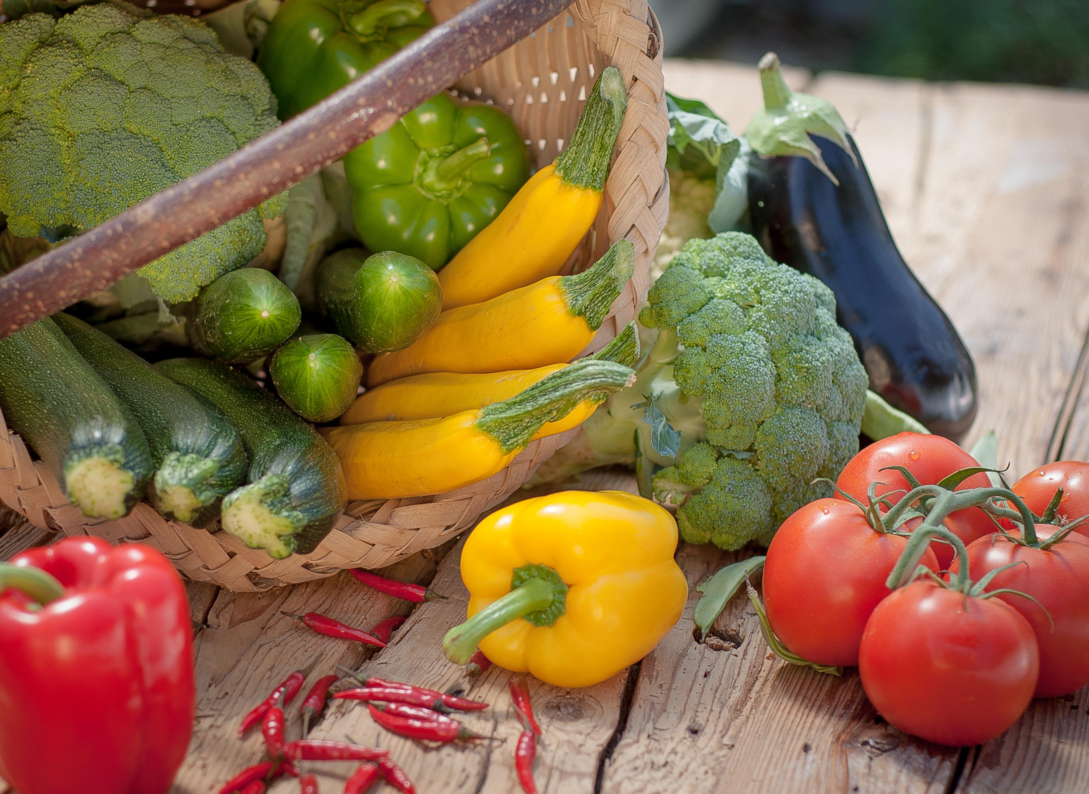 Sie sehen Gemüse von Obst & Gemüse Eisl in Saalbach. JUFA Hotels bietet kinderfreundlichen und erlebnisreichen Urlaub für die ganze Familie.