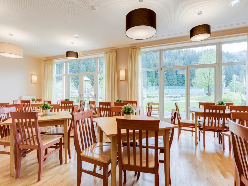 Gemütliches Restaurant im JUFA Hotel Veitsch. Der Ort für kinderfreundlichen und erlebnisreichen Urlaub für die ganze Familie.