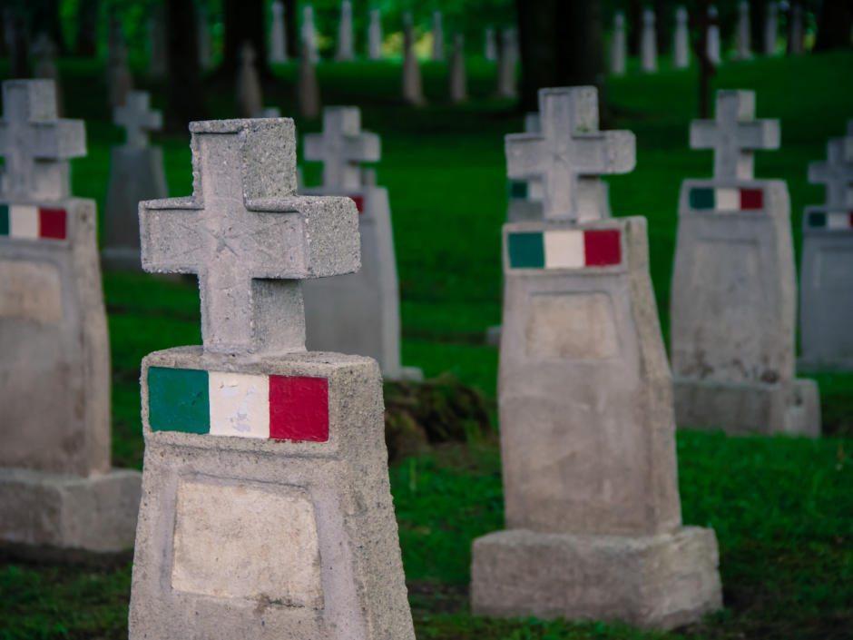 Südlich der Stadt Salzburg befindet sich der Soldatenfriedhof zum Andenken an die Gefallenen der beiden Weltkriege.